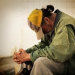Sistemi familiari e sociali tra crisi e sviluppo: l'approccio sistemico alla povertà̀
